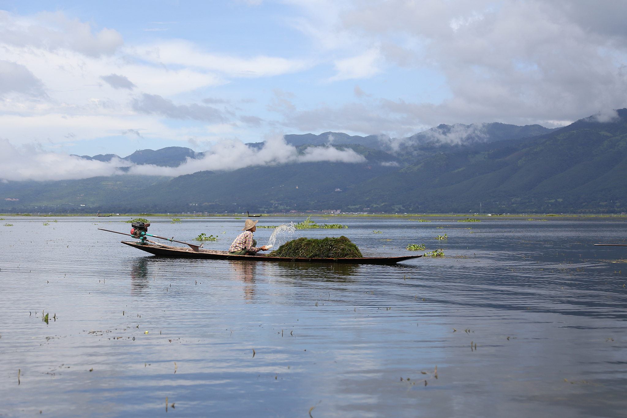 laura-limes-lake-inle-fisherman